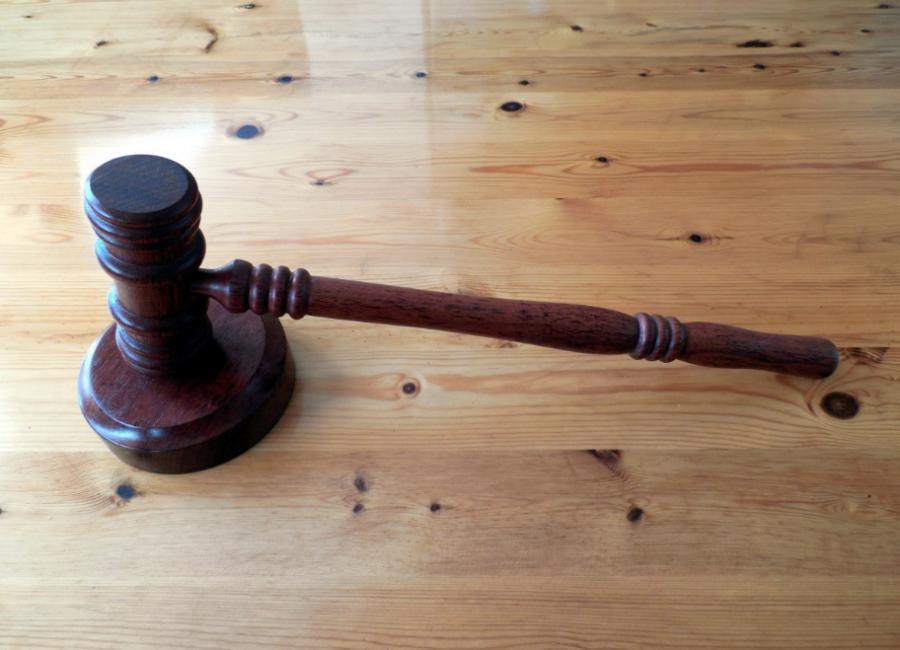 ВПрокопьевске осудят мужчину заугрозу фельдшеру скорой помощи