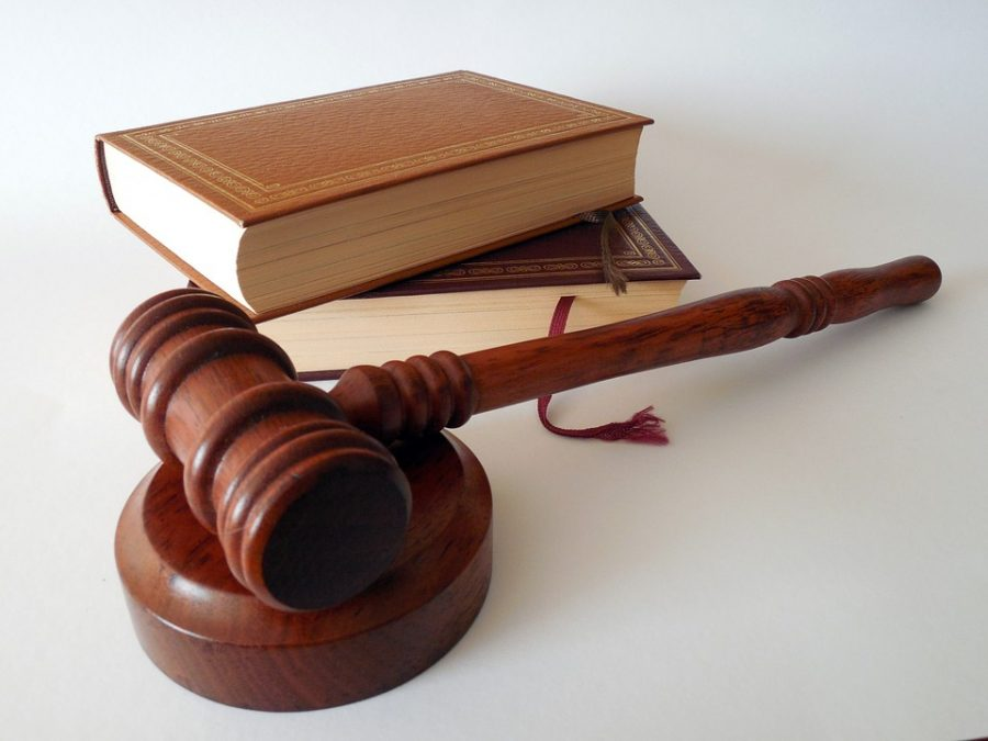 Новокузнечанин пойдёт под суд за то, что спровоцировал ДТП и сбил на тротуаре супругов