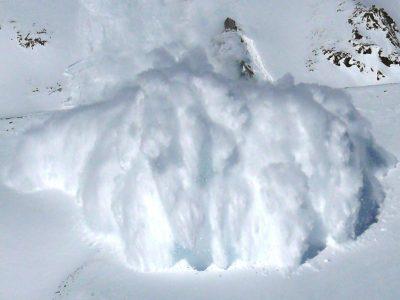 Кемеровчанин погиб в результате схода снежной лавины в Хакасии