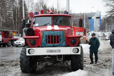 За сутки в Кузбассе горели две «легковушки»