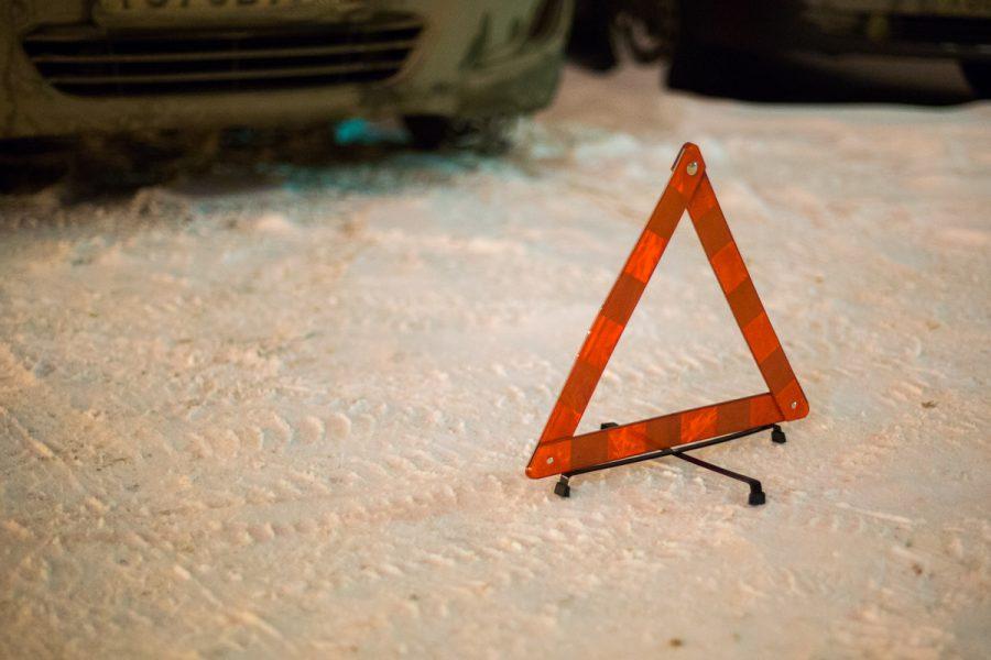 В Ленинск-Кузнецком районе столкнулись легковой автомобиль и рейсовый автобус с пассажирами