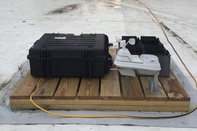 Учёные научились заряжать простые гаджеты энергией из воздуха