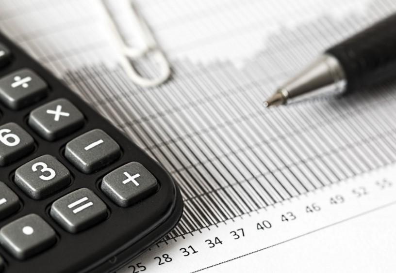Олег Шеин: Компании снеоформленными сотрудниками могут лишиться налоговых льгот