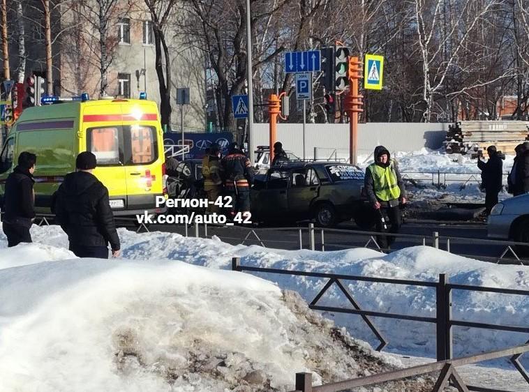 Число погибших в тройном ДТП на Южном в Кемерове увеличилось до двух человек