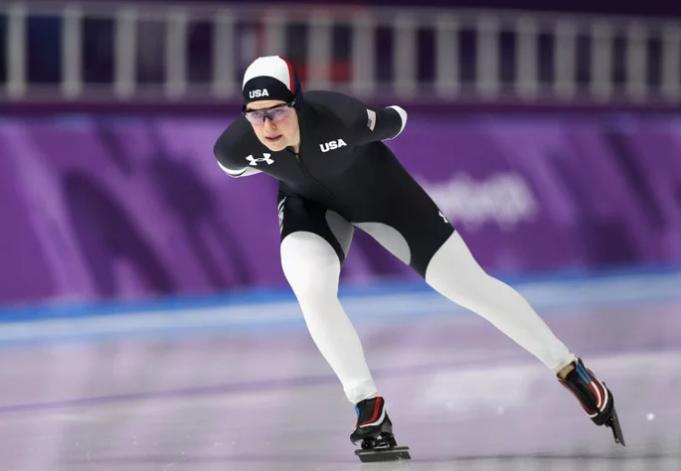 Дизайнеров формы конькобежцев США посчитали извращенцами