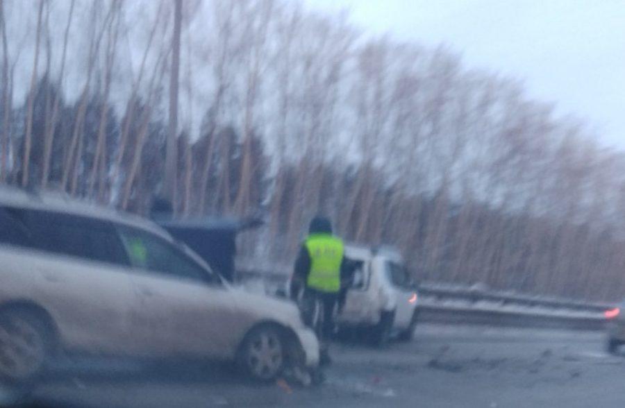 Утром в ДТП на трассе «Кемерово — Ленинск-Кузнецкий» пострадала пассажирка Nissan