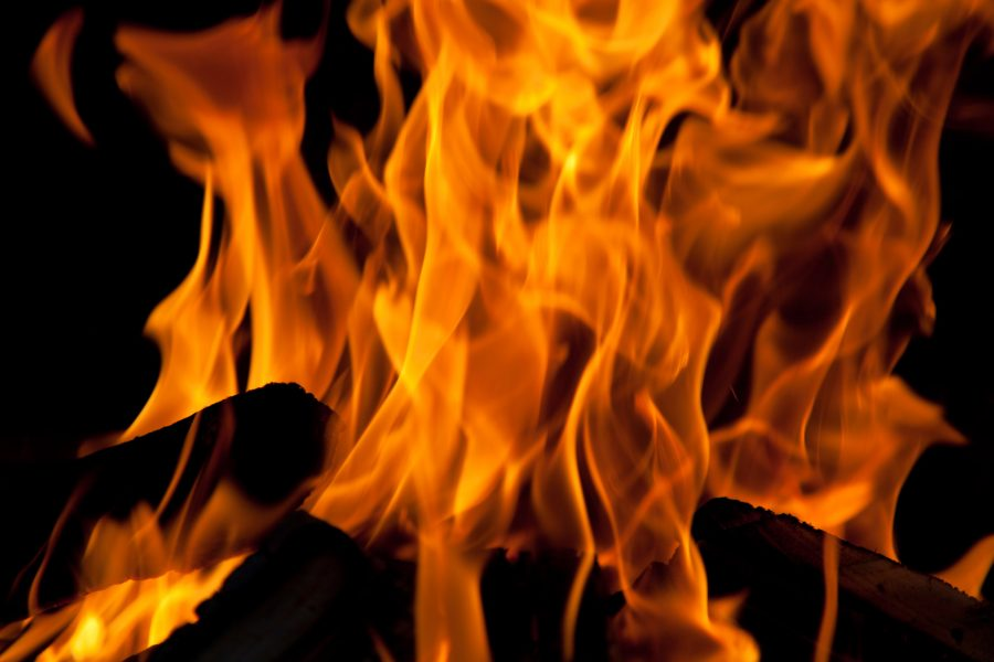В Новокузнецке из-за поджога был пожар в многоквартирном доме