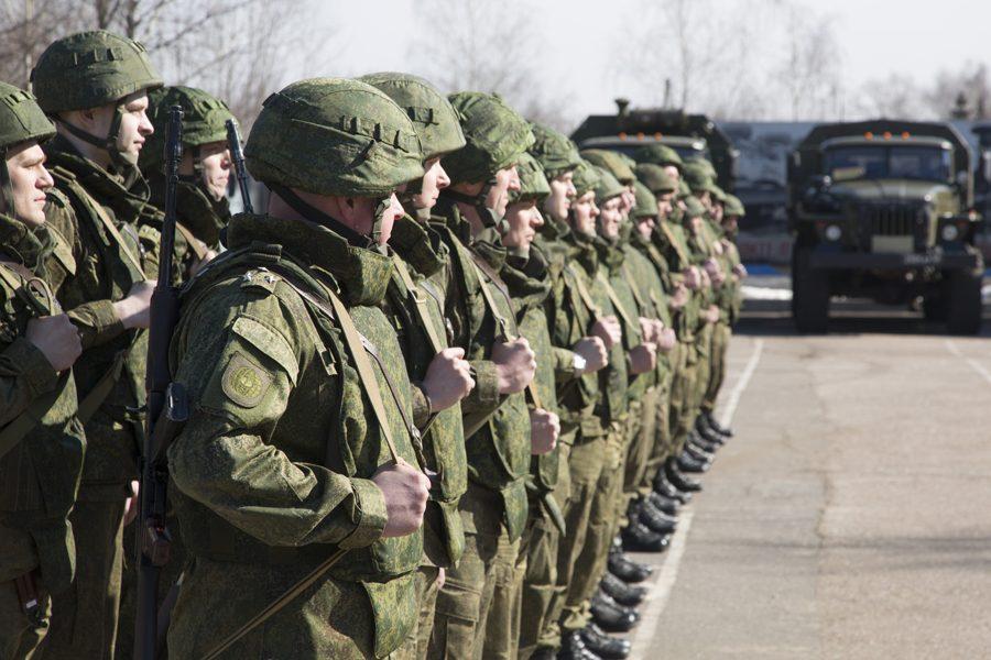 Российских офицеров снабдили защищёнными мобильниками за 115 000 рублей