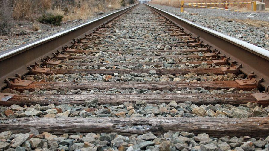 Грузовой поезд насмерть сбил новокузнечанина