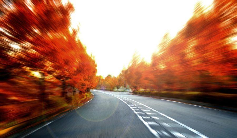 В США водитель BMW проехал 70 километров на скорости 150 км/ч из-за заевшей педали