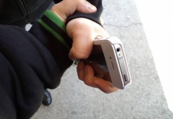 16-летний кемеровчанин ограбил четвероклассника по пути в школу