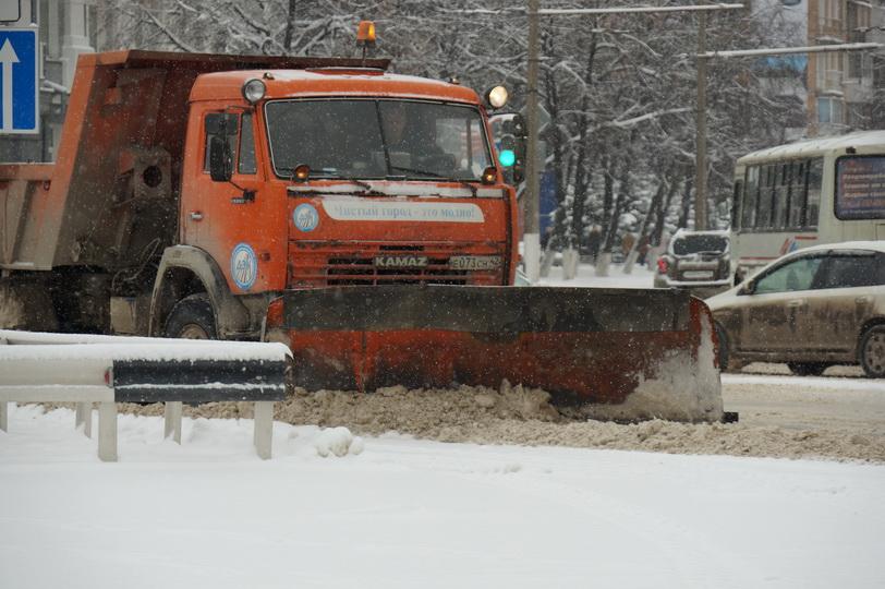 К середине марта из Кемерова вывезут миллион кубометров снега