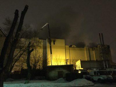Очевидцы: в Кемерове пожарные потушили возгорание в ТРЦ «Зимняя вишня»