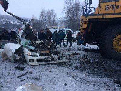 По факту смертельного ДТП с участием Nissan и БелАЗа в Новокузнецке возбудили уголовное дело
