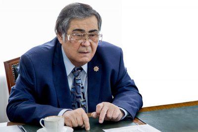 Аман Тулеев выразил соболезнования семье Олега Табакова
