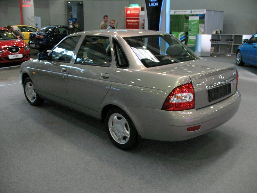 В феврале выпуск легковых автомобилей в России вырос на 24%