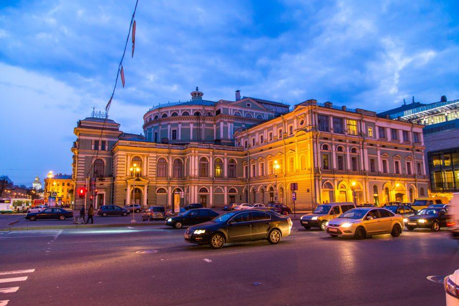 В Мариинском театре в память о жертвах трагедии в кемеровской «Зимней вишне» исполнят «Реквием»