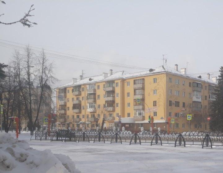 В Кемерове на пересечении Островского и Весенней установили пешеходные ограждения