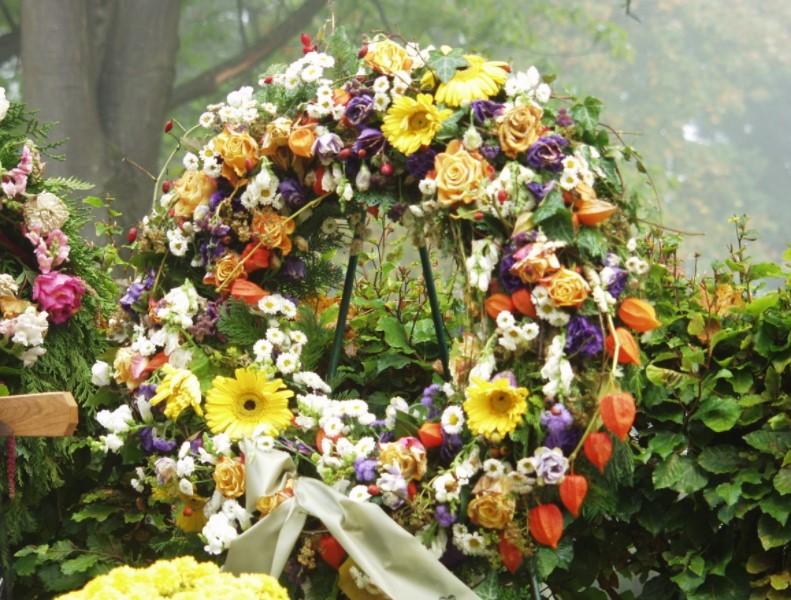 В Кемерове начались похороны первых жертв пожара в «Зимней вишне»