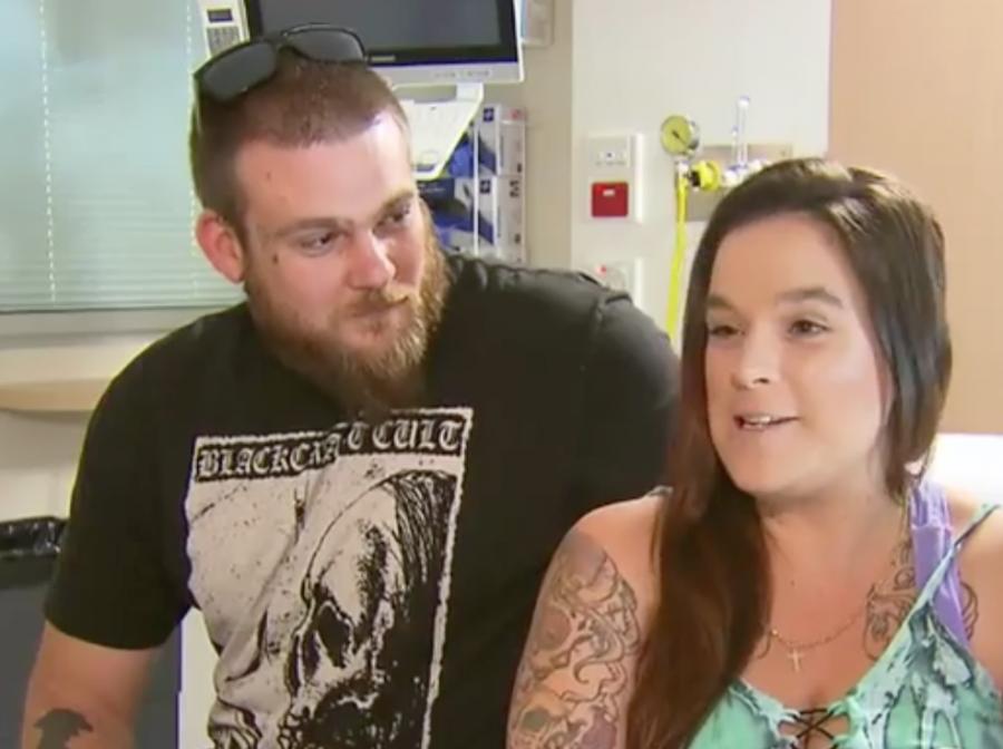Женщина узнала, что беременна, за15 мин. дородов