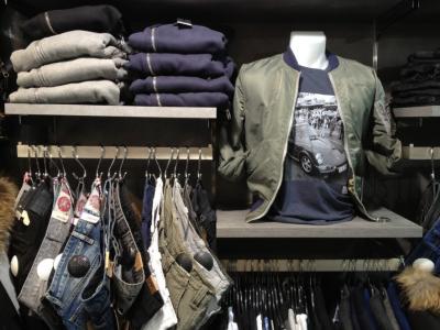 Бизнесмен получил крупный штраф за продажу контрафактной одежды в гипермаркете Кемерова