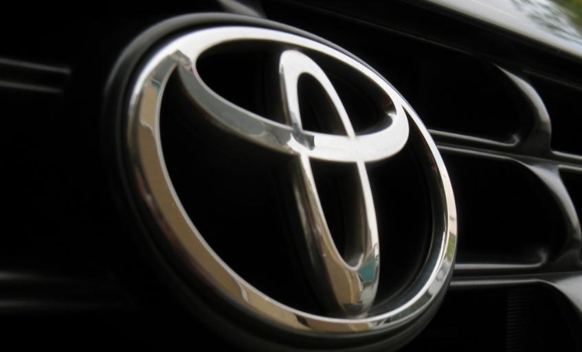 Toyota приостановила испытания беспилотных авто в США