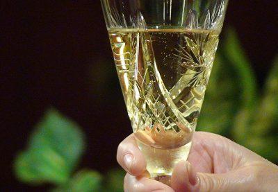 В Кузбассе компанию оштрафовали на 100 тысяч за нарушение правил хранения шампанского