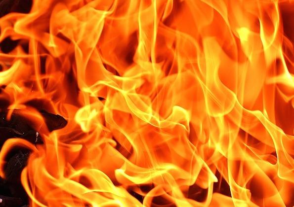 Ночью в Кузбассе горели пять автомобилей