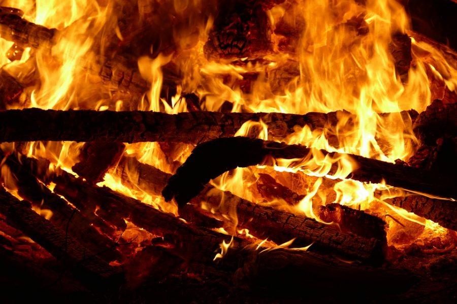 В Кузбассе при пожаре в частном доме погиб пенсионер
