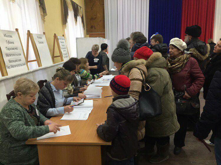 Первыми в областной столице проголосовали шахтёры в Кедровке