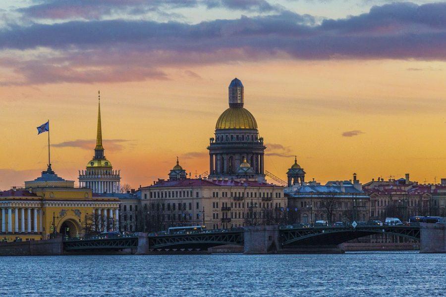 Кузбассовец перечислил мошеннику 250 тысяч ради покупки дома в Санкт-Петербурге