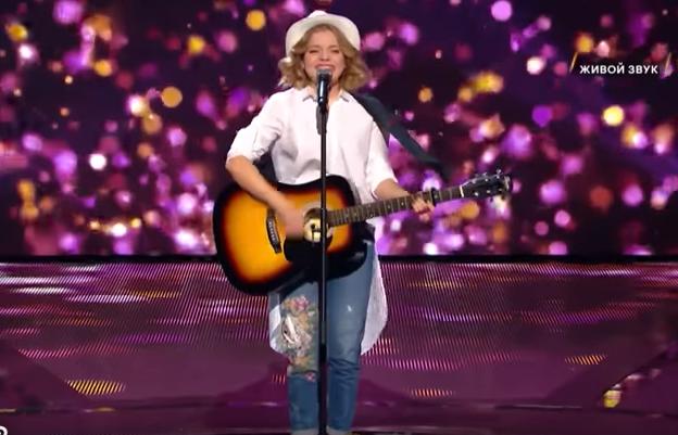 Певица из Кузбасса покорила жюри проекта «Ты супер!» и прошла во второй тур