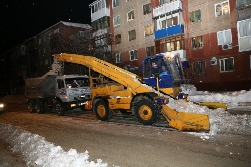 За сутки из Кемерова вывезли более 12 тысяч кубометров снега