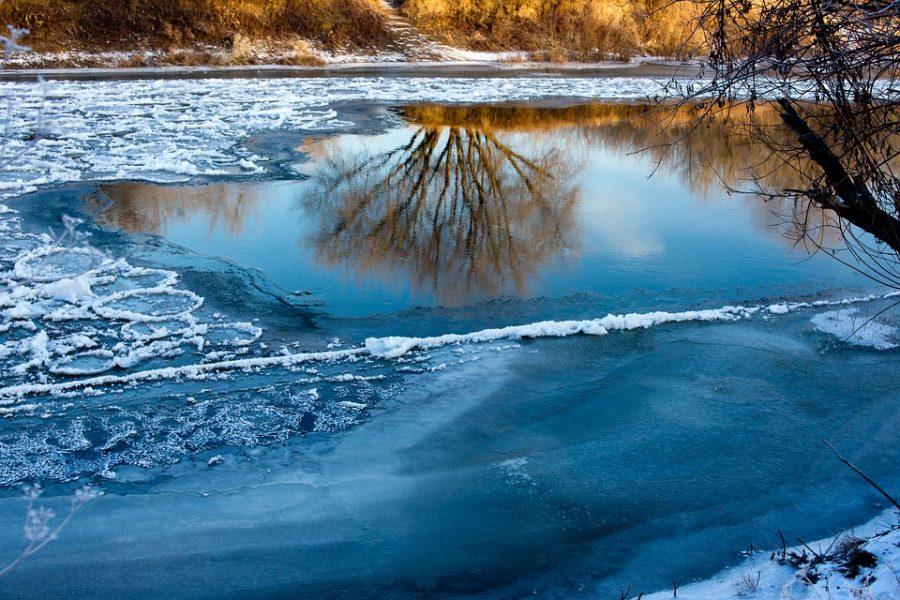 В Кузбассе притоки рек начали освобождаться ото льда