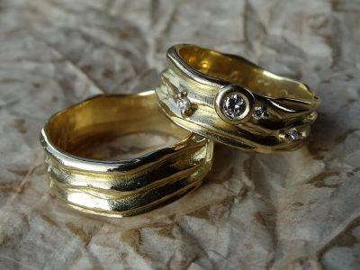 Сколько пар поженились в канун 8 Марта в Кузбассе