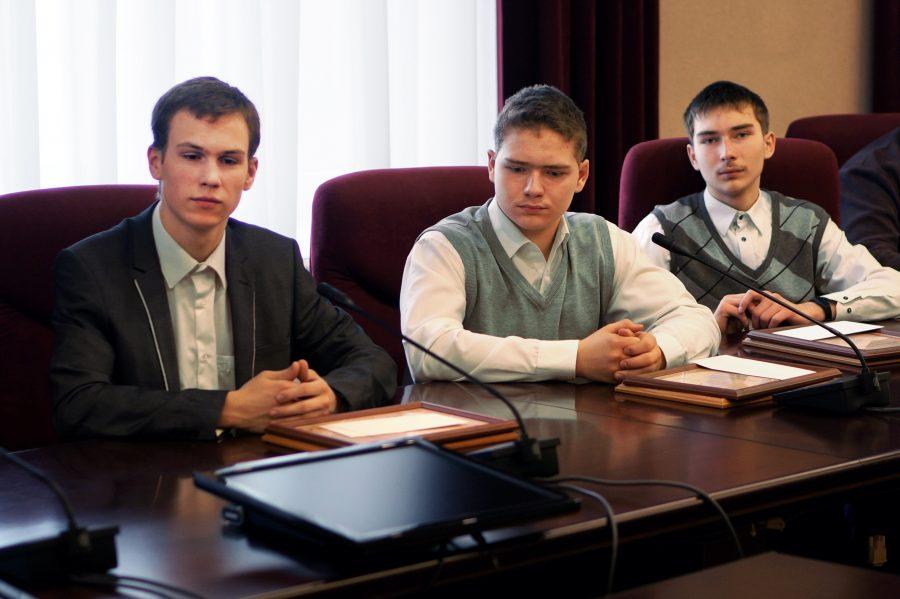 Юные инженеры из Кузбасса создали «чёрный ящик» для экскаватора