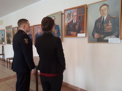 В Кемерове открылась выставка майора милиции в отставке Николая Паршикова