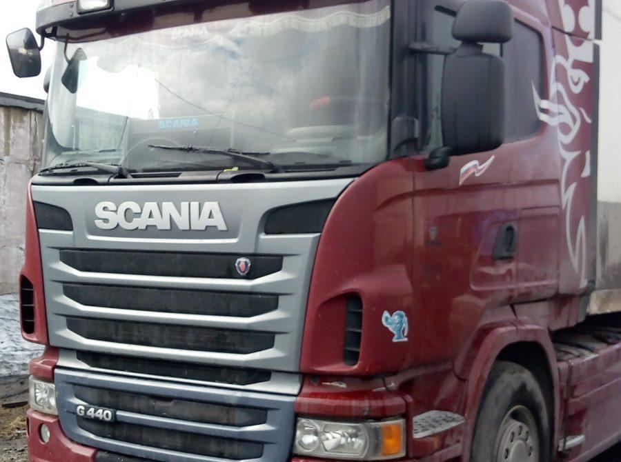 В Кузбассе задолжавший 12 млн рублей бизнесмен спрятал свой грузовик от приставов в лесу