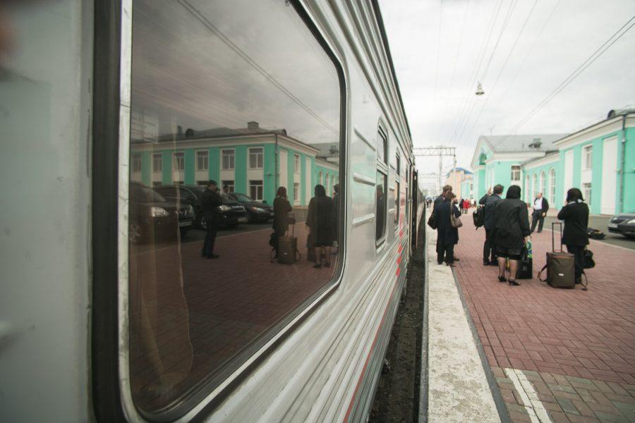Из-за ремонта путей в Кузбассе изменится расписание пригородных поездов