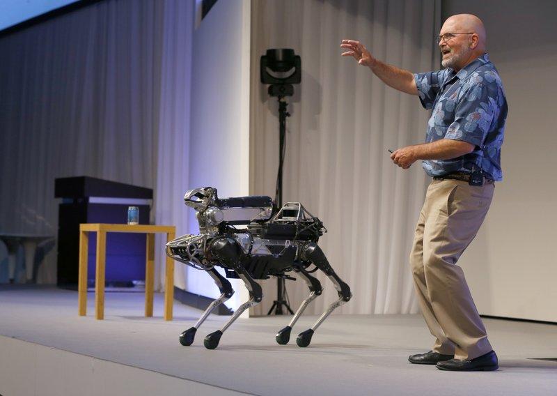 Роботы-собаки Boston Dynamics поступят напродажу в предстоящем 2019г.