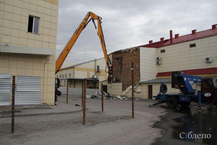 В Кемерове начался демонтаж «Зимней вишни»