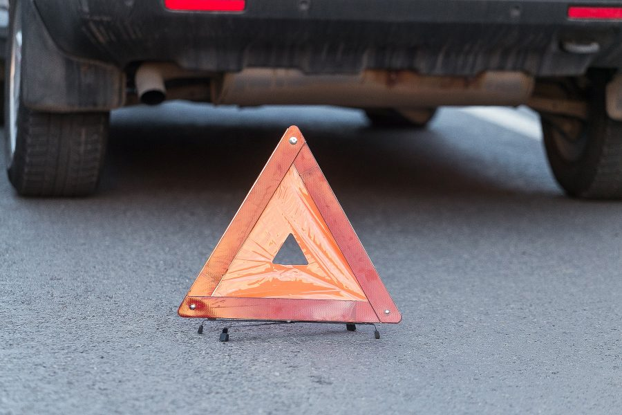 В Юргинском районе при столкновении легкового и грузового авто пострадала 20-летняя девушка