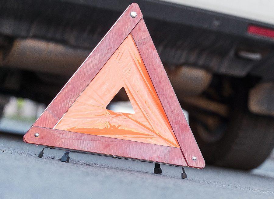 В Яйском районе Mazda перевернулась из-за неудачного обгона на трассе, есть пострадавший