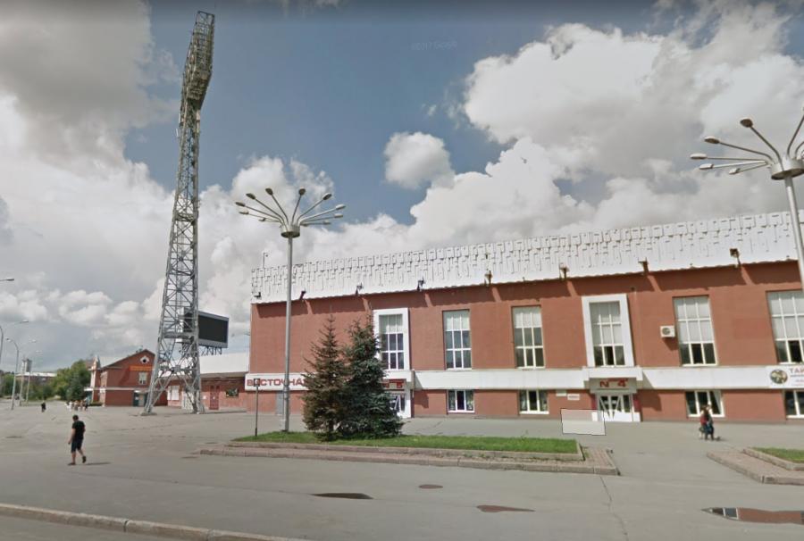 Приставы закрыли стадион «Химик» в Кемерове на три месяца