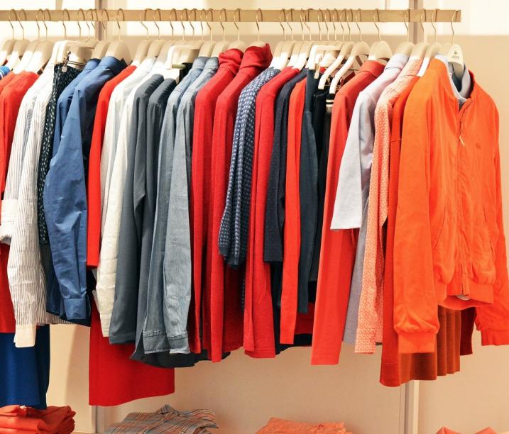 В Киселёвске бизнесмен получил 30-тысячный штраф за продажу одежды без маркировки