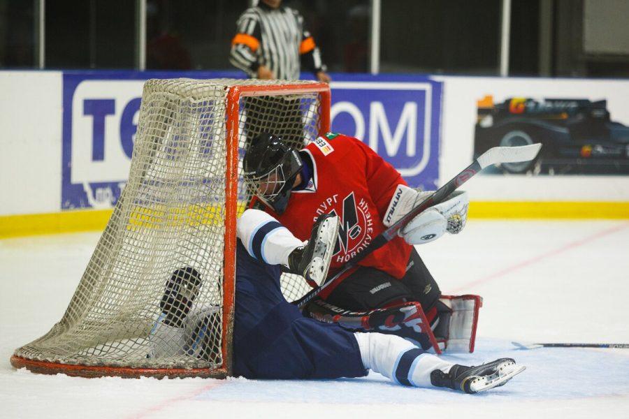 Хоккейная «Сибирь» подписала договор о сотрудничестве с новокузнецким «Металлургом»