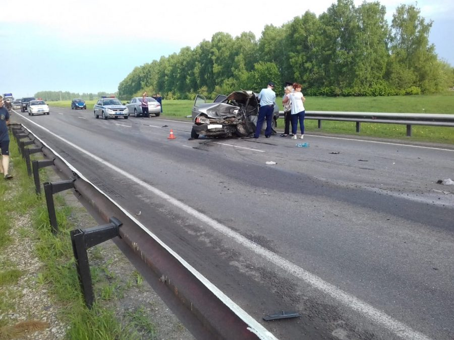 В Сети опубликовали фото последствий смертельного ДТП на кузбасской трассе