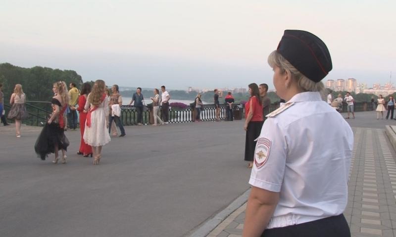 В Кузбассе в день выпускных за порядком будут следить 1 500 полицейских