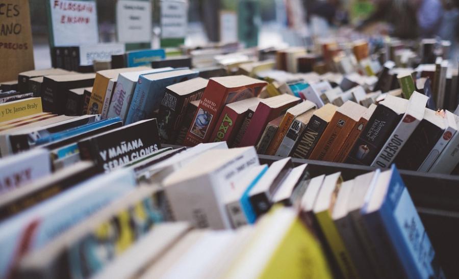Министерство просвещения планирует за два года избавиться от бумажных учебников