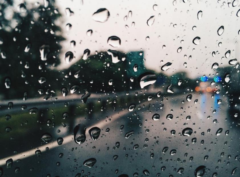 МЧС предупреждает кузбассовцев о дождях, грозах и усилении ветра до 24 метров в секунду